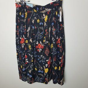 NWT Old Navy Soft Woven Print Skirt Size M